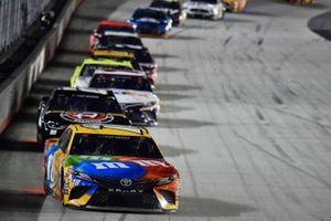 Kyle Busch, Joe Gibbs Racing, Toyota Camry M&M's, Alex Bowman, Hendrick Motorsports, Chevrolet Camaro ChevyGoods.com/Adam's Polishes
