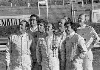 Jack Brabham, Andrea de Adamich, Rolf Stommelen, Peter Gethin, Denny Hulme, Jean Pierre Beltoise y Ronnie Peterson