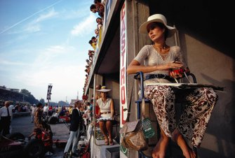 Nina Rindt, timekeeping in the pits