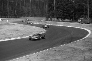 François Cevert, March 701 Ford, Andrea de Adamich, McLaren M14D Alfa Romeo y Jacky Ickx, Ferrari 312B