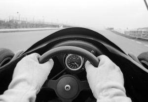 En la década de los 70, aún no había una gran revolución. Aquí, el volante del monoplaza de Jody Scheckter, el Wolf WR1 del 76