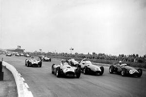 Eugenio Castellotti, Alfonso de Portago, Ferrari D50, Roy Salvadori, Maserati 250F, Harry Schell, Vanwall, Juan Manuel Fangio, Ferrari D50, and Horace Gould, Maserati 250F, at the start