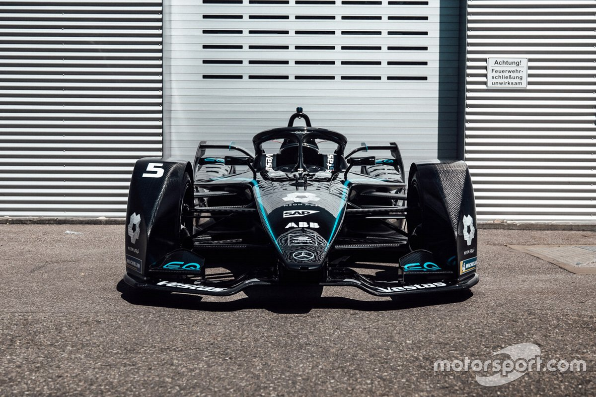 Mercedes-Benz EQ Silver Arrow 01 met zwarte livery