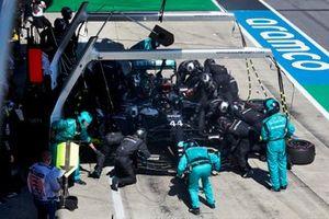 Lewis Hamilton, Mercedes AMG F1 W11, makes a pit stop