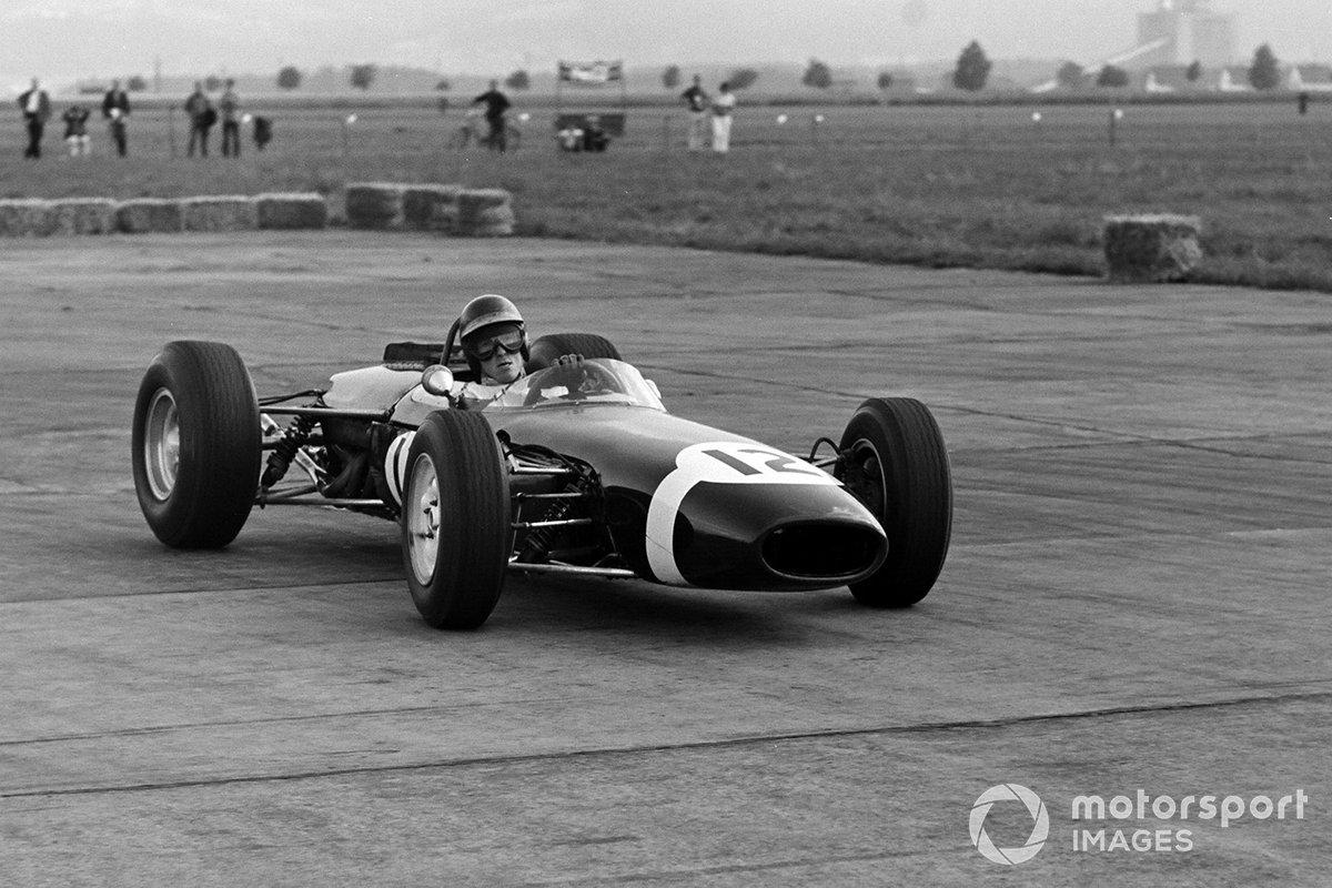 Brabham BT11 BRM (1964)