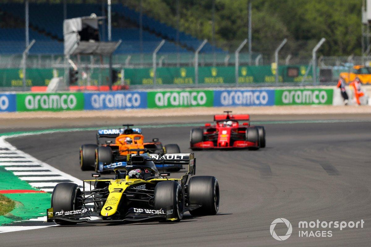 Daniel Ricciardo, Renault F1 Team R.S.20, Carlos Sainz Jr., McLaren MCL35, Sebastian Vettel, Ferrari SF1000