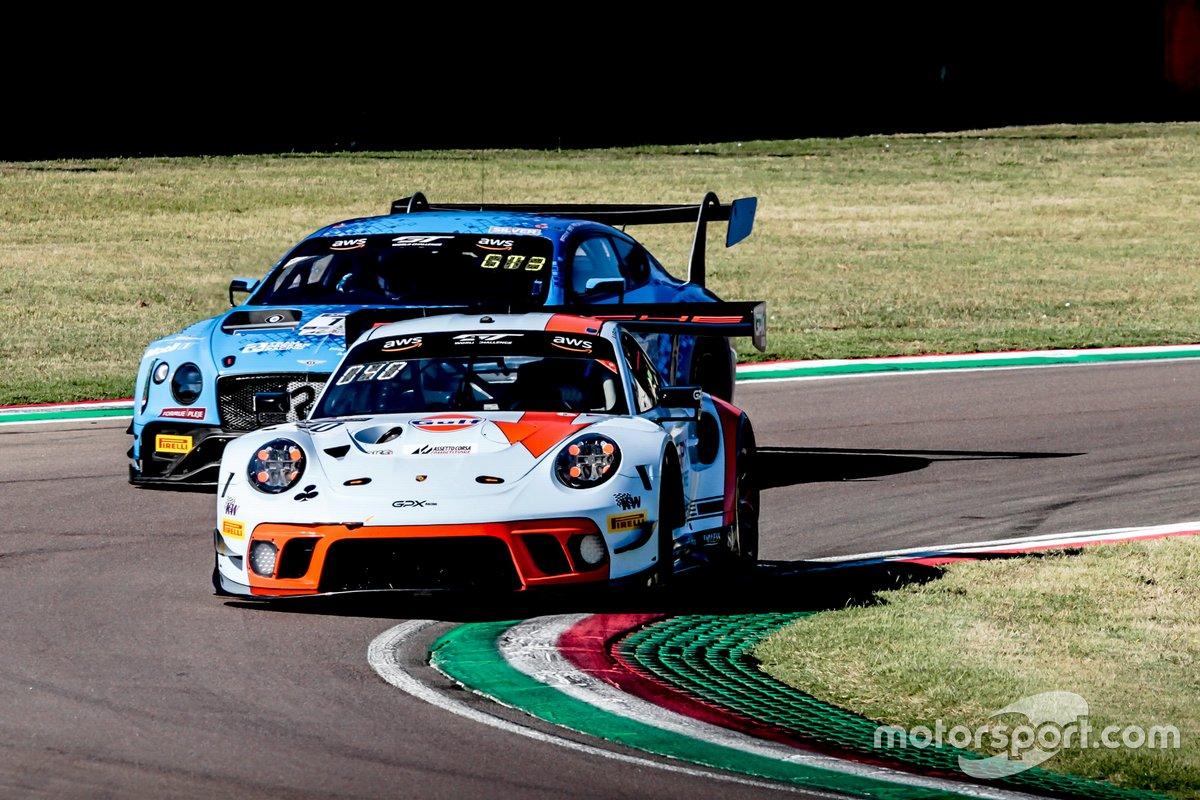 #40 GPX Racing Porsche 911 GT3-R: Romain Dumas, Louis Deletraz, Thomas Preining