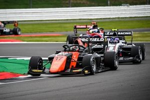 Richard Verschoor, MP Motorsport en Alexander Smolvar, ART Grand Prix