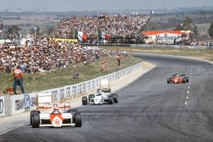 Niki Lauda, McLaren MP4-1E TAG, leads Keke Rosberg, Williams FW09 Honda, and René Arnoux, Ferrari 126C3