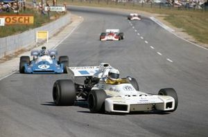 Carlos Reutemann, Brabham BT34 Ford leads Chris Amon, Matra MS120C