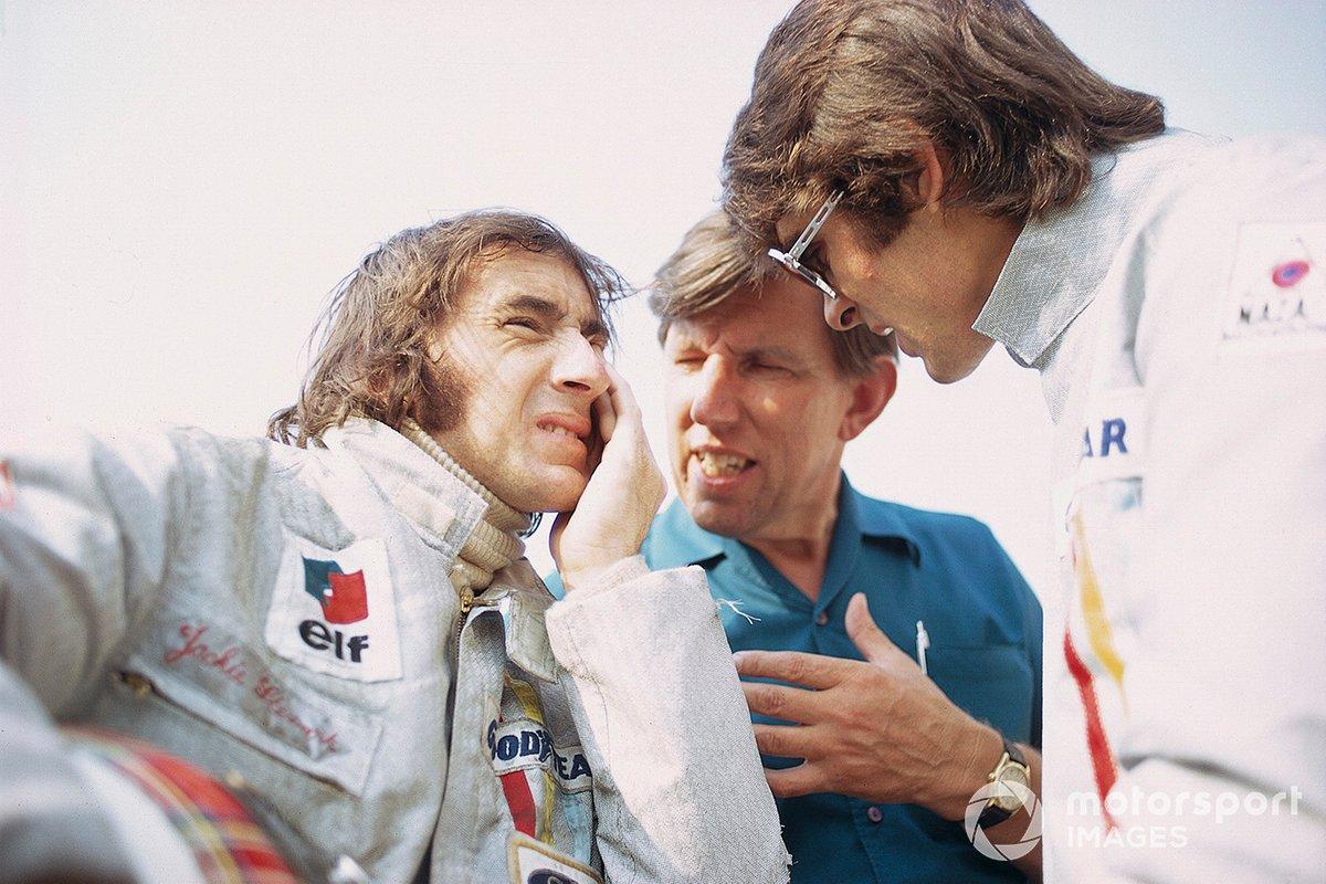 Jackie Stewart, Tyrrell 003 Ford, Francois Cevert, Tyrrell 002 Ford y el jefe del equipo Ken Tyrrell