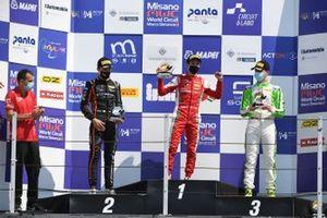 Il podio: Il vincitore, Gabriele Mini, Prema Powerteam, secondo posto Francesco Pizzi, Van Amersfoort Racing N , terzo posto Sebastián Montoya, Prema Powerteam