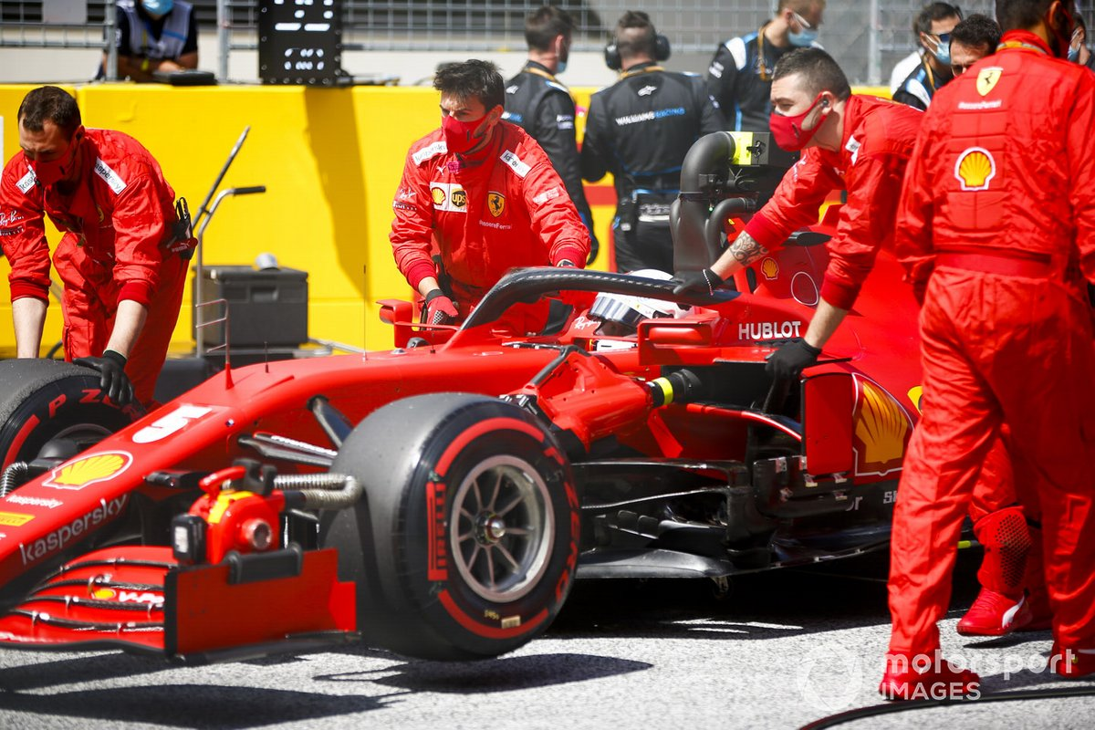 Sebastian Vettel, Ferrari SF1000, arrives on the grid