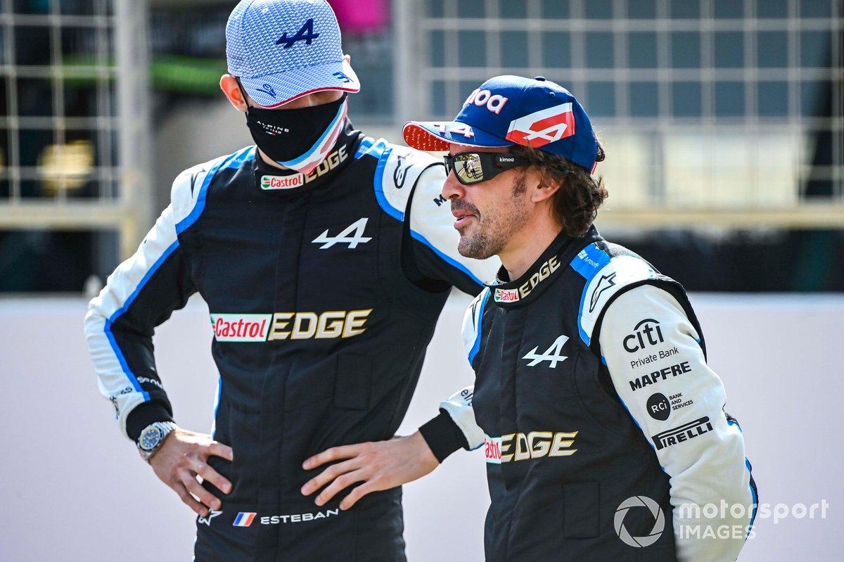 Esteban Ocon, Alpine F1, y Fernando Alonso, Alpine F1
