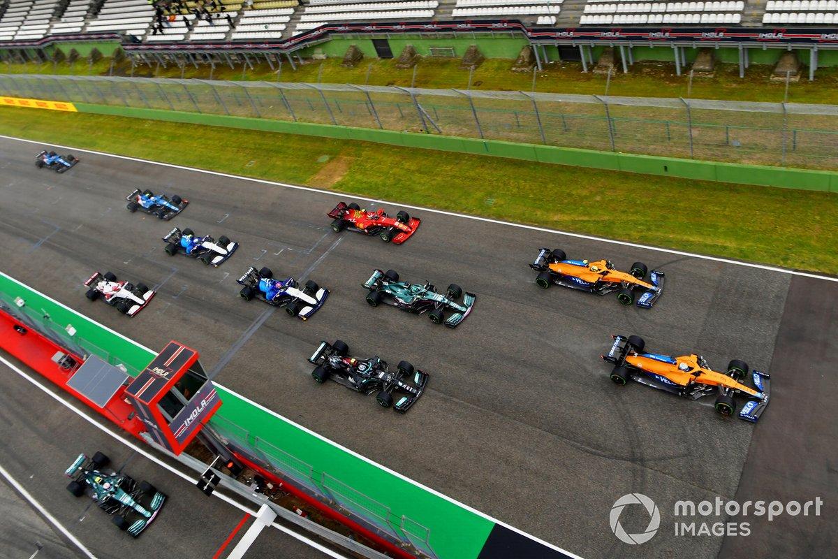 Salida Daniel Ricciardo, McLaren MCL35M, Lando Norris, McLaren MCL35M, Lance Stroll, Aston Martin AMR21, Valtteri Bottas, Mercedes W12, George Russell, Williams FW43B, Carlos Sainz Jr., Ferrari SF21