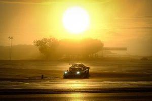 #56 Dinamic Motorsport Porsche 911 GT3-R: Mikkel O. Pedersen, Andrea Rizzoli, Adrien de Leener