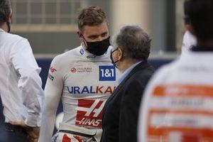 Mick Schumacher, Haas F1, en Jean Todt, President, FIA, on the grid