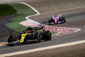 Esteban Ocon, Renault F1 Team R.S.20, Sergio Perez, Racing Point RP20