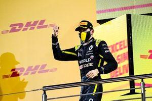 Esteban Ocon, Renault F1, 2nd position, on the podium