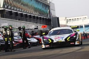 #3 Chris Buncombe, Jenson Button - Jenson Team Rocket RJN McLaren 720S GT3