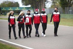 Antonio Giovinazzi, Alfa Romeo Racing track walk