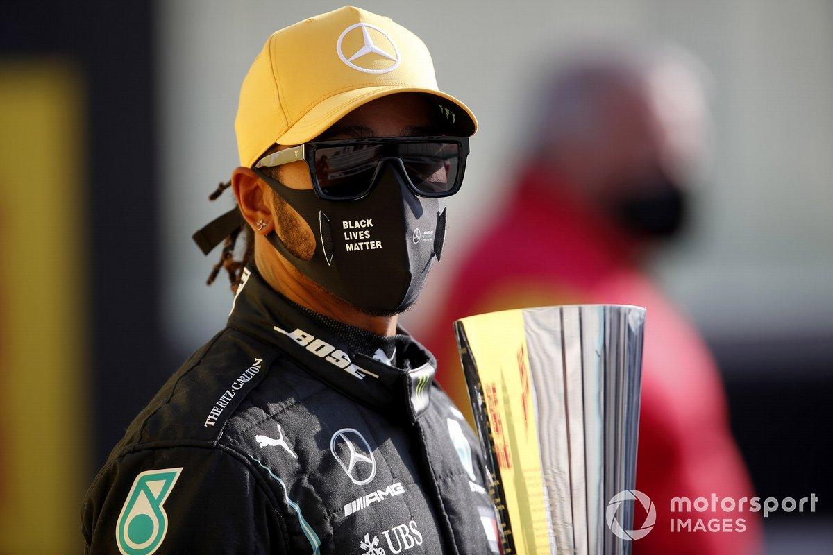 Lewis Hamilton, Mercedes-AMG F1 recibe el premio DHL Fastest Lap de DHL