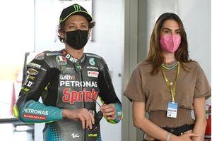Valentino Rossi, Petronas Yamaha SRT, mit Freundin Francesca Sofia Novello