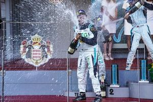 Cacá Bueno, Jaguar Brazil Racing celebrates victory on the podium
