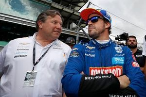 Fernando Alonso, Zak Brown, McLaren Racing Chevrolet