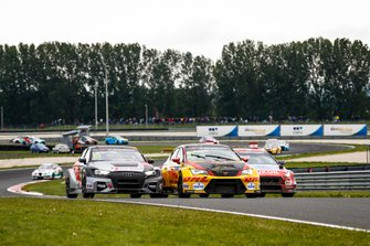 Niels Langeveld, Comtoyou Team Audi Sport Audi RS 3 LMS, Aurélien Panis, Comtoyou DHL Team CUPRA Racing CUPRA TCR