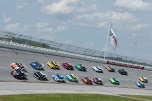 Brad Keselowski, Team Penske, Ford Mustang Snap on Chase Elliott, Hendrick Motorsports, Chevrolet Camaro Mountain Dew / Little Caesar's