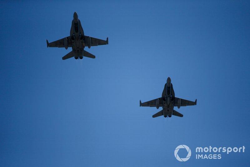 Un par de McDonnell Douglas (Boeing) CF-18 Hornets de la Real Fuerza Aérea Canadiense