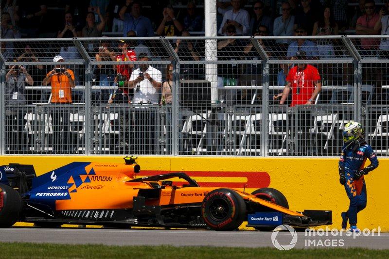 Lando Norris, McLaren, se retira de la carrera