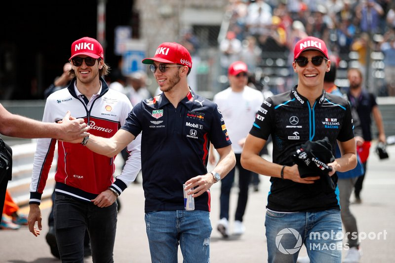 Antonio Giovinazzi, Alfa Romeo Racing, Pierre Gasly, Red Bull Racing, e George Russell, Williams Racing