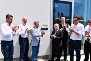 Francois Dumontier, President en CEO, Canadese Grand Prix, Jean Todt, President, FIA, en Ross Brawn, Managing Director of Motorsports, FOM met eerbetoon Charlie Whiting