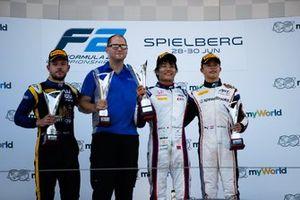 Nobuharu Matsushita, Carlin Luca Ghiotto, UNI Virtuosi Racing and Nyck De Vries, ART Grand Prix