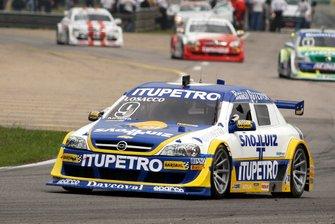 Em 2004, surgiu outro nome que vai ficar na história da Stock Car, Giuliano Losacco