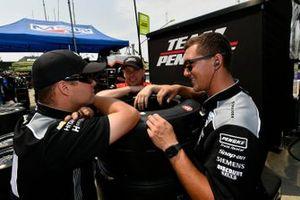 Simon Pagenaud, Team Penske Chevrolet crew