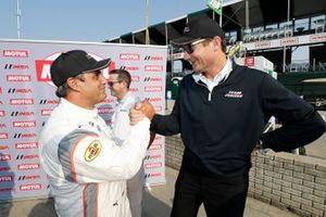 Motul Pole Award winner #6 Acura Team Penske Acura DPi, DPi: Juan Pablo Montoya with Tim Cindric