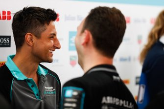 Mitch Evans, Panasonic Jaguar Racing, met de media
