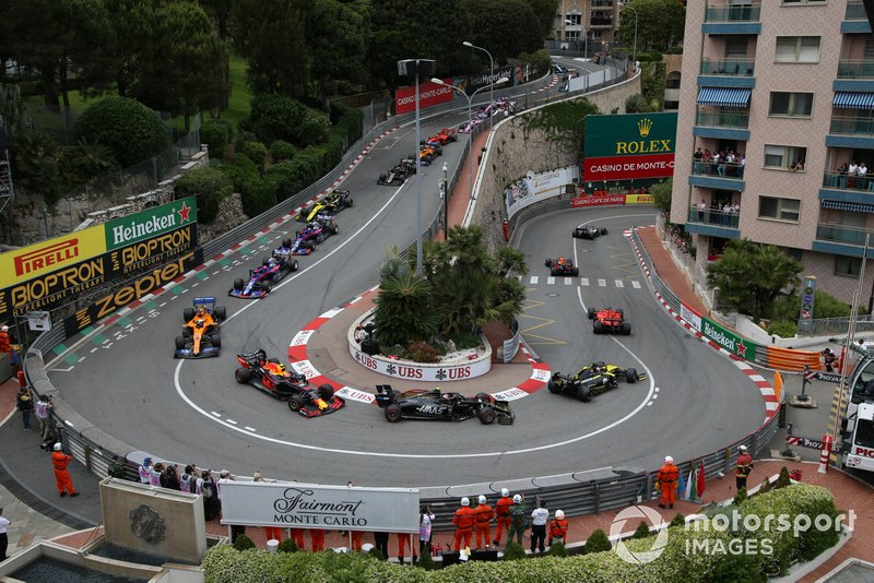 Max Verstappen, Red Bull Racing RB15, Sebastian Vettel, Ferrari SF90, Daniel Ricciardo, Renault R.S.19, Kevin Magnussen, Haas F1 Team VF-19, Pierre Gasly, Red Bull Racing RB15, y Carlos Sainz Jr., McLaren MCL34
