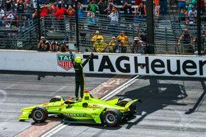 Race winnaar Simon Pagenaud, Team Penske Chevrolet
