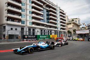 Robert Kubica, Williams FW42, leads Antonio Giovinazzi, Alfa Romeo Racing C38, and George Russell, Williams Racing FW42