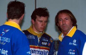 Победитель Гран При Монако Оливье Панис и бывший гонщик Ligier Жак Лаффит