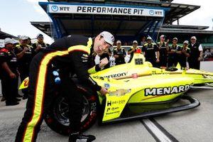 Pole Sitter Simon Pagenaud, Team Penske Chevrolet