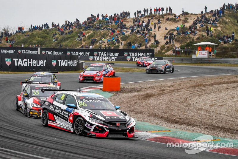 Esteban Guerrieri, ALL-INKL.COM Münnich Motorsport Honda Civic Type R TCR; Benjamin Leuchter, SLR Volkswagen Volkswagen Golf GTI TCR