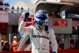Pole Sitter celebrates Valtteri Bottas, Mercedes AMG W10