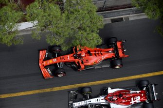Sebastian Vettel, Ferrari SF90, sorpassa Kimi Raikkonen, Alfa Romeo Racing C38
