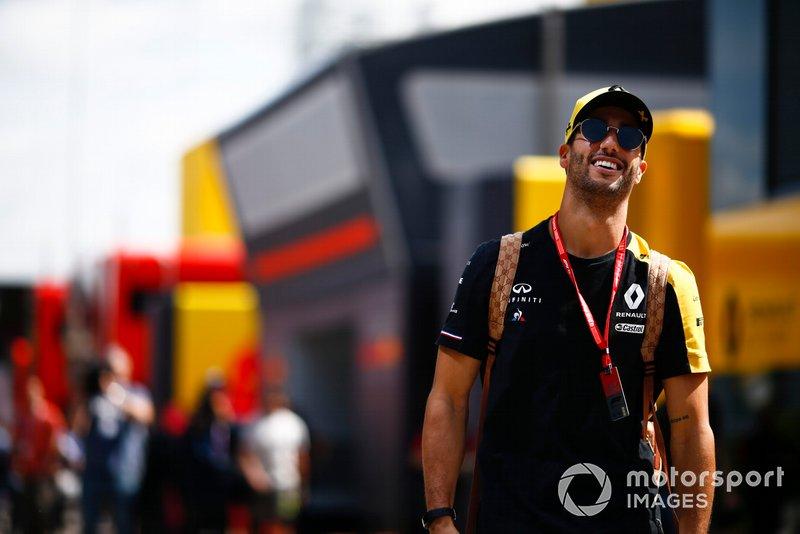 Daniel Ricciardo, Renault nel paddock