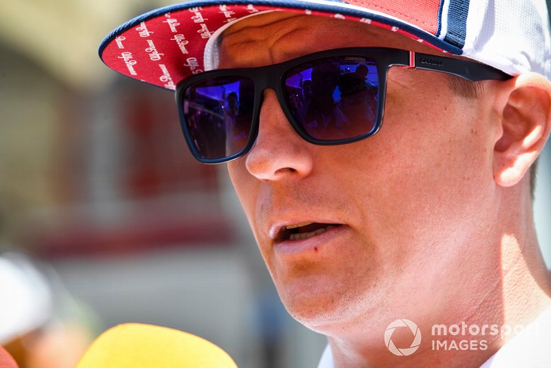 Kimi Raikkonen, Alfa Romeo Racing parle avec les médias